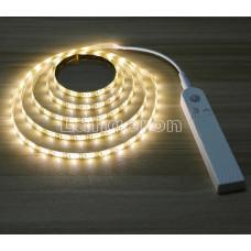 LED лента 3м от батареек с датчиком движения и сенсором освещенности белое теплое свечение для столешницы и