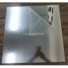 Акрил зеркальный цвет серебро На задней стороне двусторонний скотч! 1мм  60*60 см