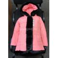 Пуховик для девочки с черной меховой опушкой розовый размер 122
