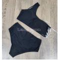 Купальник черный с белой шнуровкой высокие плавки лиф на одно плечо М